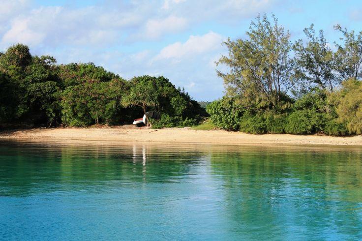 On ancre le temps d'un week-end sur la rive de l'#ile de Tapana, #Tonga