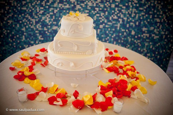 Orange Red White Yellow Multi-shape Round Square Wedding Cakes Photos & Pictures - WeddingWire.com