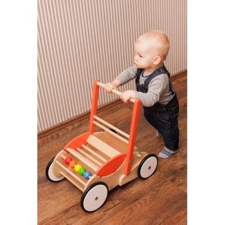 """Mamy pierwszego ochotnika do """"przewodu"""" prezentów:) w przepięknym chodziku, również bardzo pomocnym przy nauce stawiania pierwszych kroczków.   Zabawka wielofunkcyjna: pchacz, chodzik, wózek do przewożenia, kołyska dla pluszaka, schowek na zabawki.  Wam również może się przydać:)  http://www.niczchin.pl/drewniane-zabawki-do-pchania-ciagniecia/3224-bajo-73130-drewniany-chodzik-pchacz-dla-dziecka.html  #bajo #chodzik #pchacz #zabawki #prezenty #upominki #niczchin #kraków"""