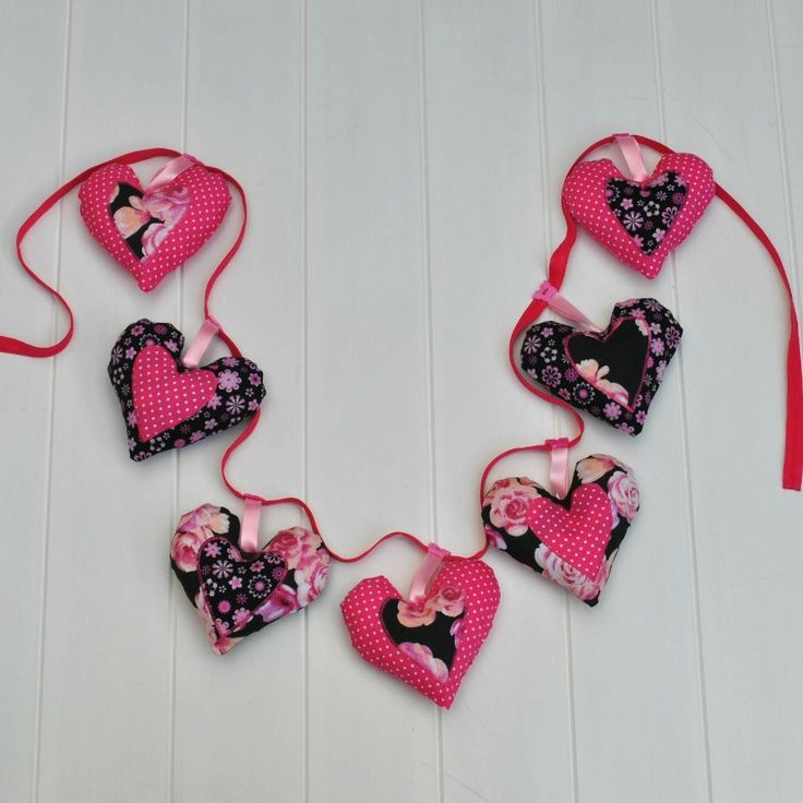 Pink heart garland available at www.madeit.com.au/WitchingHourBags