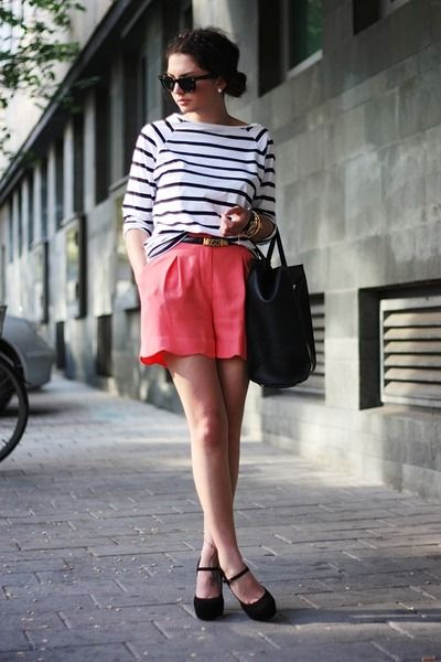 Black-vj-style-bag-salmon-oasis-shorts