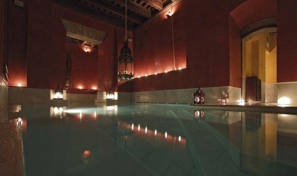 AIRE DE SEVILLA - BAÑOS ARABES - SÉVILLE - Calle del Aire, 15 Détente - forme : Les bains arabes de Séville sont aménagés dans l'ancien palais de 1 200 m²...