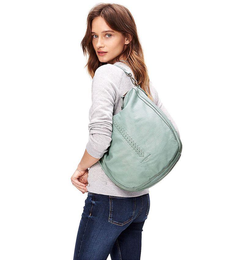 De Niva Icon Bag Vintage is een grote schoudertas van Liebeskind. Combineer de tas met de Onna Icon Bag portemonnee van Liebeskind! (€219,00) #Niva #Icon #Bag #Vintage #Handtassen #Liebeskind