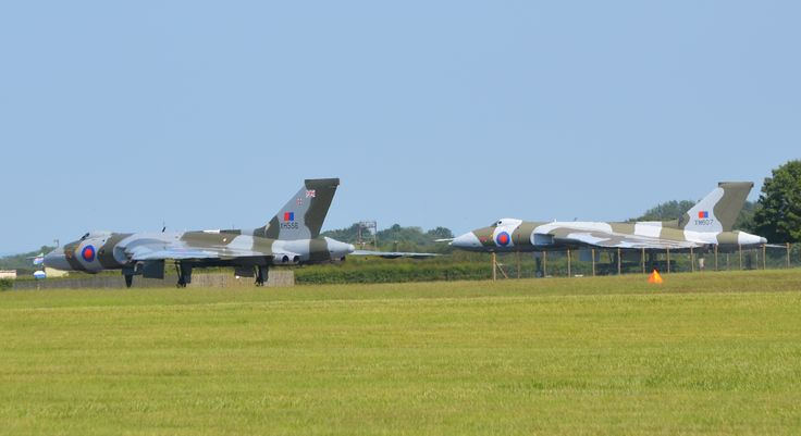 2 Vulcans at Waddington #xh558Waddington