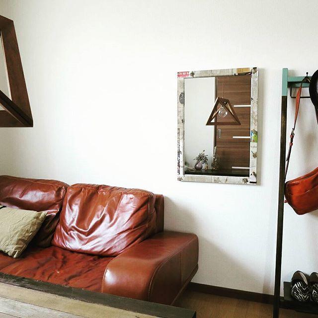 ACTUSのソファとunicoのランプと8mmのミラーと。 #インテリア #家具 #ファニチャー #リビング #おしゃれ #リノベーション #リフォーム #コーディネート #ソファ #照明 #鏡 #8mm工房 #アクタス #UNICO #アンティーク #インダストリアル #プライベート #空間