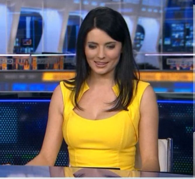 Natalie sawyer and hayley mcqueen ice bucket challenge - 1 8
