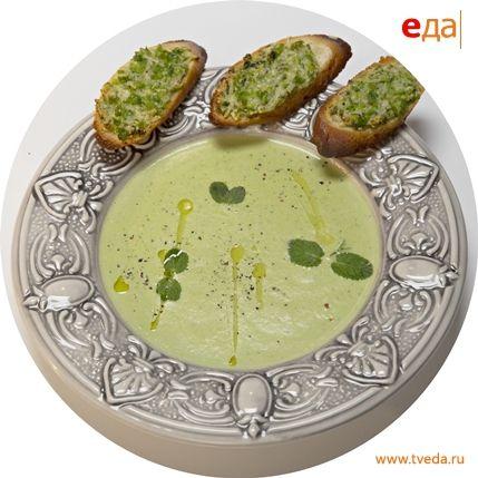 Мятный крем-суп из горошка и кукурузы