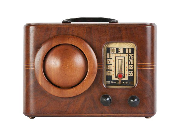 "1939 Emerson DB-315 ""Circle Grille"" Radio (USA)"