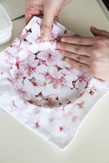 紙皿で作るスプリング・ウォールデコ~お気に入りのナプキンで簡単カルトナージュ : 窪田千紘フォトスタイリングWebマガジン「Klastyling」