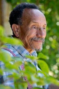 Pierre Rabhi : « L'école devrait reconnecter l'enfant à la nature »Agriculteur, écrivain et penseur, pionnier de l'agroécologie, Pierre Rabhi rêve d'une école en rupture avec le système libéral. Entretien.