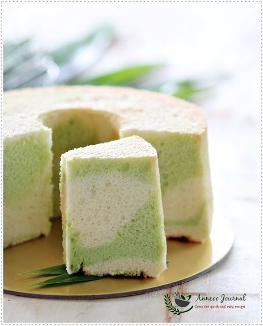 Pandan Marble Chiffon Cake 香兰大理石戚风蛋糕 | Anncoo Journal - Come for Quick and Easy…