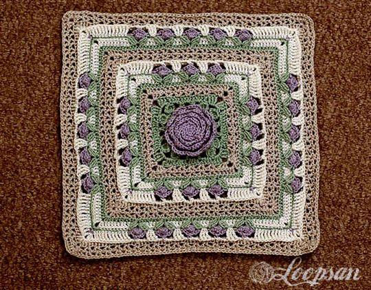 """Мотив на основе """"бабушкиного квадрата"""" под названием """"Сад роз"""" предлагает мастерица San. Используя этот квадрат можно связать красивую салфетку или коврик."""