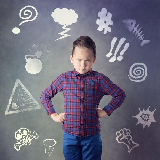 Twoje dziecko jest rozdrażnione i agresywne? Czy wiesz jaka może być przyczyna?
