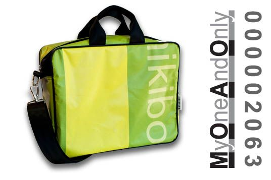 MyOneAndOnly DELOS 2063 Laptop bag made from reused banners. Each bag is unique and has a number for it.