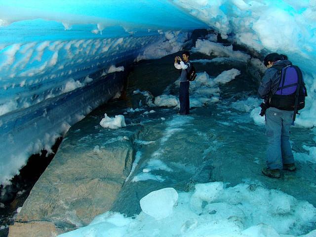 Cueva del Glaciar del Cocuy (Región Andina) - Colombia.