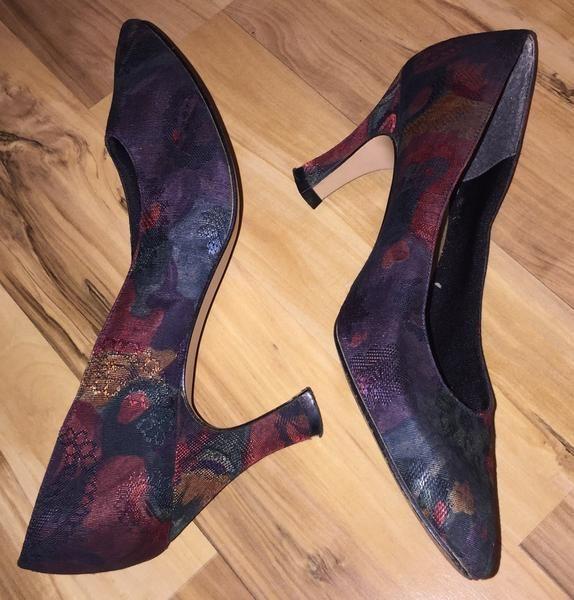 Vintage Shoes by Life Stride Size 8N Floral Tapestry Elegant – La Guanaquita's Closet