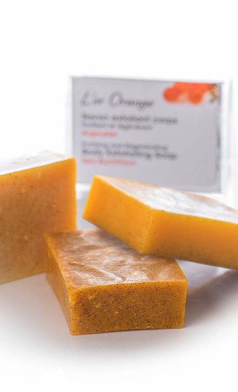 SEA BUCKTHORN SOAP BAR - Made with white clay and apricot extracts, this exfoliating soap is perfect for cleansing the skin and gently removing dirt and dead cells. Formulated with sea buckthorn oil, mango butter, orange essence and vitamin E, this soap nourishes, rejuvenates and protects your skin.  #seabuckthorn #soap