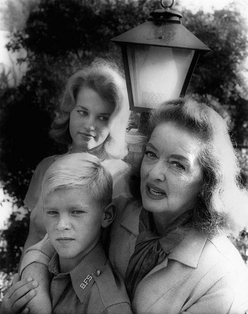 Bette Davis Amp Her Children Vintage Glam Pinterest