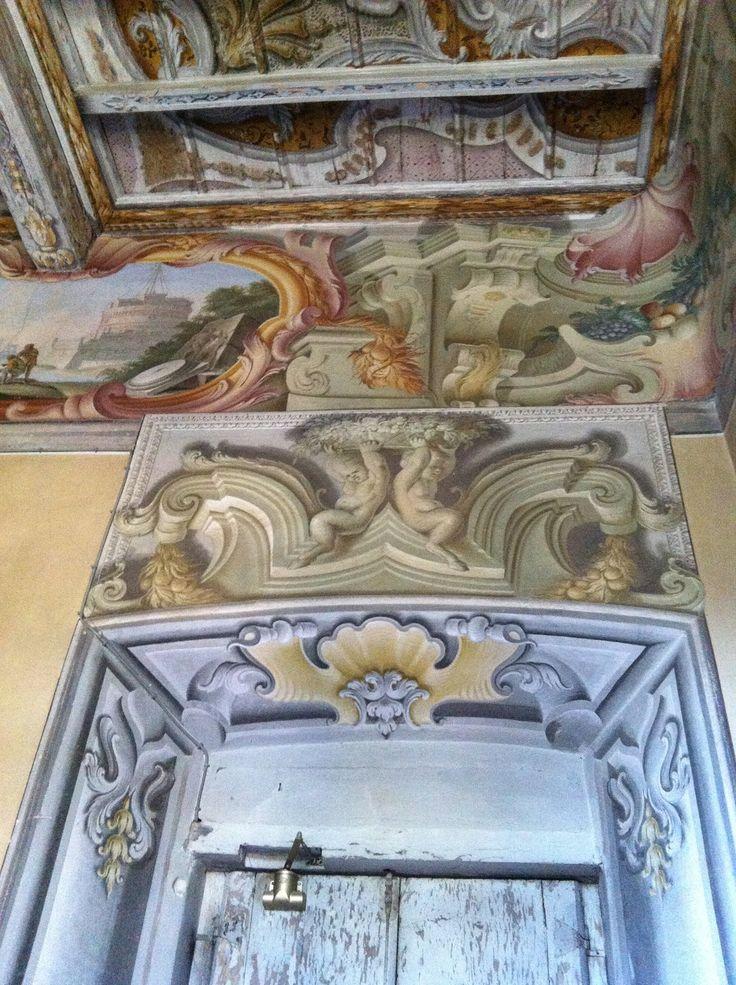 Uno scorcio di #CastelSantAngelo in #Roma nelle sale di villa #Bossi #Tettoni #Benizzi #Castellani di #Azzate (Va) con soffitti a cassettoni a motivi a passasotto del 1700 ...forse del Giovanni Battista #Ronchelli