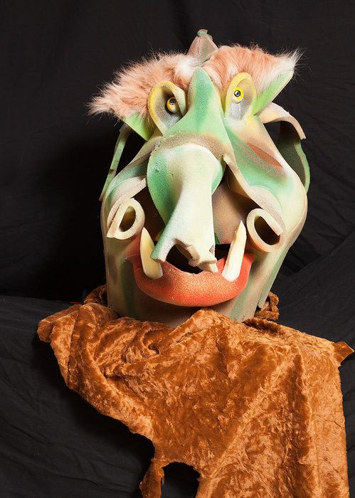 Auction item 'Very Ugly Troll Two' hosted online at 32auctions.