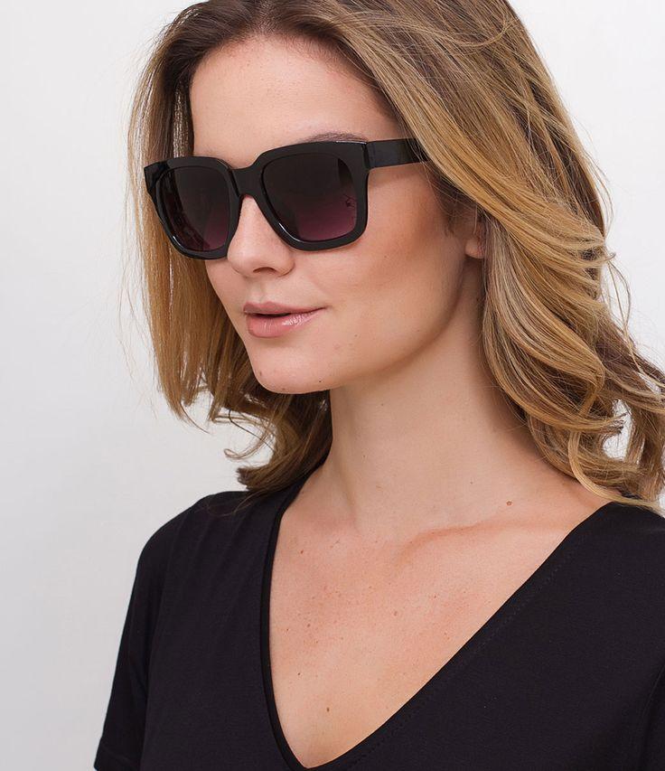 Óculos de sol  Modelo quadrado  Hastes em acetato  Lentes fumê degradê  Proteção contra raios UVA / UVB  Acompanha um estojo e flanela de limpeza  Garantia de 6 meses     COLEÇÃO INVERNO 2017      Óculos Quadrado     Os óculos de sol quadrados transmitem um ar retrô e ficam lindos em qualquer pessoa! Tem um charme todo especial, principalmente os modelos maxi. São acessórios que nunca saem de moda e são perfeitos para quem gosta de modernidade e novidade.    Veja outras opções de    ócu...