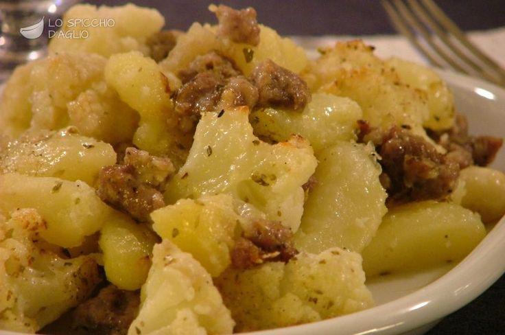 Scopri il modo migliore di preparare Patate e cavolfiore alla salsiccia in 1 ora.