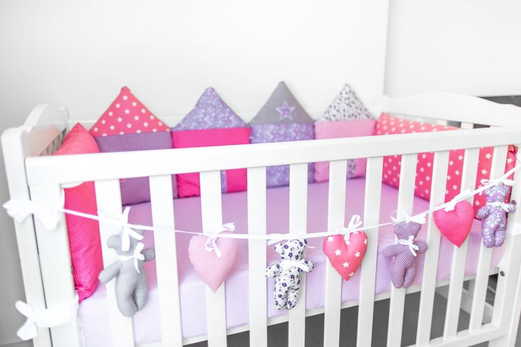 Baby cot bunting hand made by Kinderly - Daphne Bunting - Bears shaped