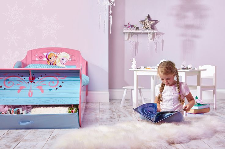 Con su increible diseño en forma de trineo te transladará a el #ReinodelHielo con #Frozen y sus amigos. Su primera cama con su #PrincesaDisney favorita. #camasinfantiles #habitacionDisney #Bainba