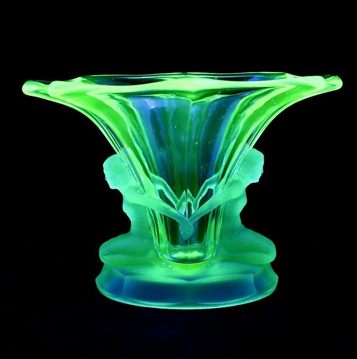 Walther Windsor Vase Cg146 Uranium Fragile Pinterest Glass Vase Windsor And Glasses