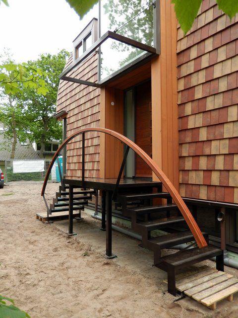 25 beste idee n over buitentrap op pinterest betonnen treden en moderne architectuur - Moderne buitentrap ...