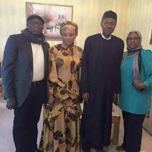 Trending Photo of Buhari Posing with Wife and Two Others was Taken Before 2015... See Evidence