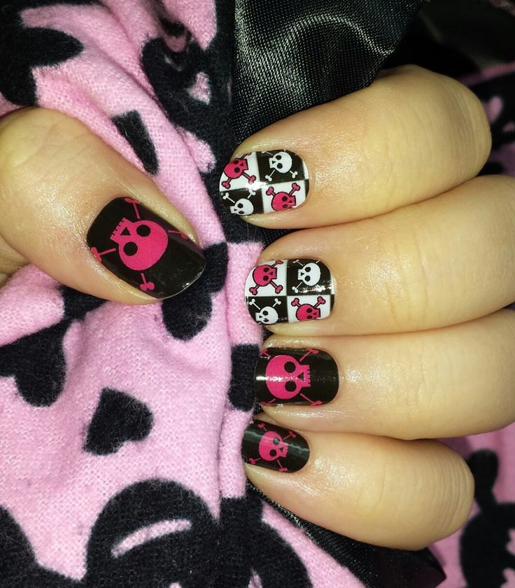 Pink & Black skulls? Heck yeah! This is another one of my NAS designs and I LOVE it!  #NAS #Jamberry #skulls #pink #black #manicure #diynails #custom #design