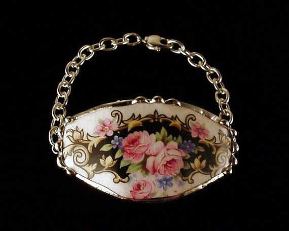 broken china tea cup pieces into jewelryPink Roses, Broken China Jewelry, Jewelry Bracelets, Broken Teacups, Bracelets Teacups, Bracelets Antiques, Antiques Pink, Teacups Bracelets, Heart Charms