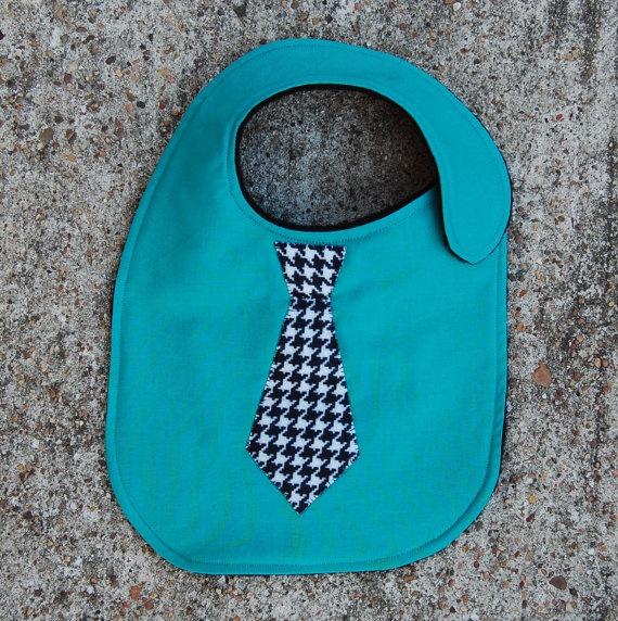 Babero con aplicación (corbata)
