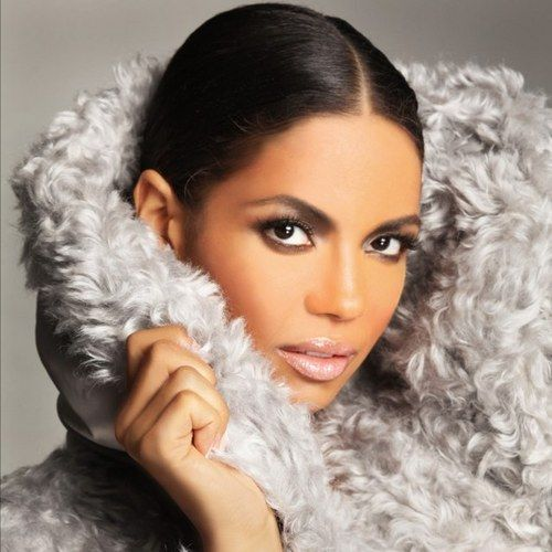 "Former ""My Wife And Kids"" Star Jennifer Freeman Does A New Photo Shoot! 