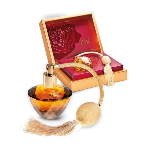 FM313 NŐI PARFÜMKlasszikus, kedvelt illat- luxus, retró stílusban! Eladásaink alapján TOP 4.helyezett illatunk! (313 - PACO RABANNE - Lady Million - szerű illat) A citrom, édes málna és a méz illatjegyeinek ellenállhatatlan kombinációja a narancsvirág és jázmin mámorító illatával, valamint a pacsuli gyógynövényes aromájával. Parfümolaj tartalom: 20% Illatcsalád: fás-virágos Kiszerelés: 50ml
