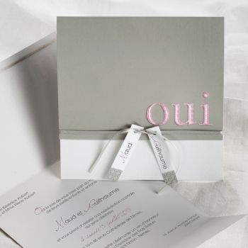 """Faire-part de mariage  avec un """"Oui"""" rose, thème Gris perle   EC-M094"""