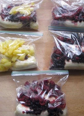 Pre-made Smoothie Packs!: Quick And Easy Breakfast Ideas, Easy Fruit Smoothie Recipes, Freezers Smoothie Packs, Breakfast In A Bags, Smoothie Freezers, Breakfast Ideas On The Go, Healthy Premad Breakfast, Easy Frozen Fruit Smoothie, Recipes For Healthy Smoothie