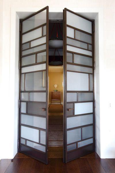 Beautiful doors, Moyen-Orient duplex, France (=)