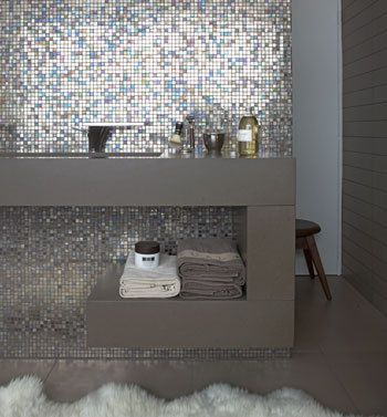Meer dan 1000 idee n over moza ek badkamer op pinterest douche tegels badkameridee n en douches - Mozaiek douche ...