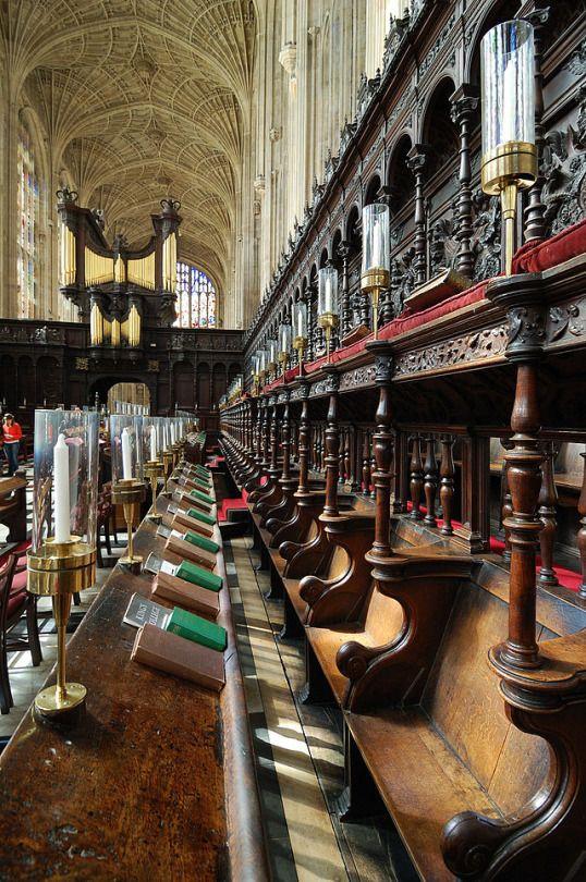 King's College Chapel, Cambridge: vues des stalles du choeur.