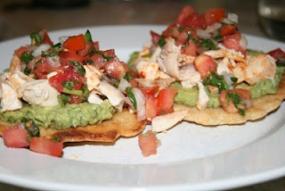 Paleo Table: Chicken and Avocado TostadasPaleo Chicken, Maine Dishes, Avocado Tostadas, Shops Lists, Shopping Lists, Paleo Tables, Paleo Recipes, Meals Plans, Recipe Chicken
