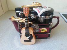 RETRO NOVELTY TEAPOT- SWINESIDE TEAPOTTERY - EARL GREY AND HIS BAND ON TOUR