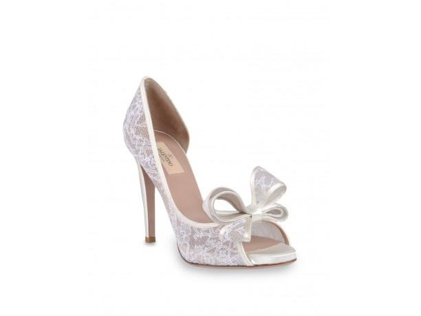 http://www.veraclasse.it/articoli/moda/sposa/scarpe-da-sposa-per-il-matrimonio/10243/ #Scarpe #sposa per il #matrimonio #Bridal #shoes for #wedding #Versace