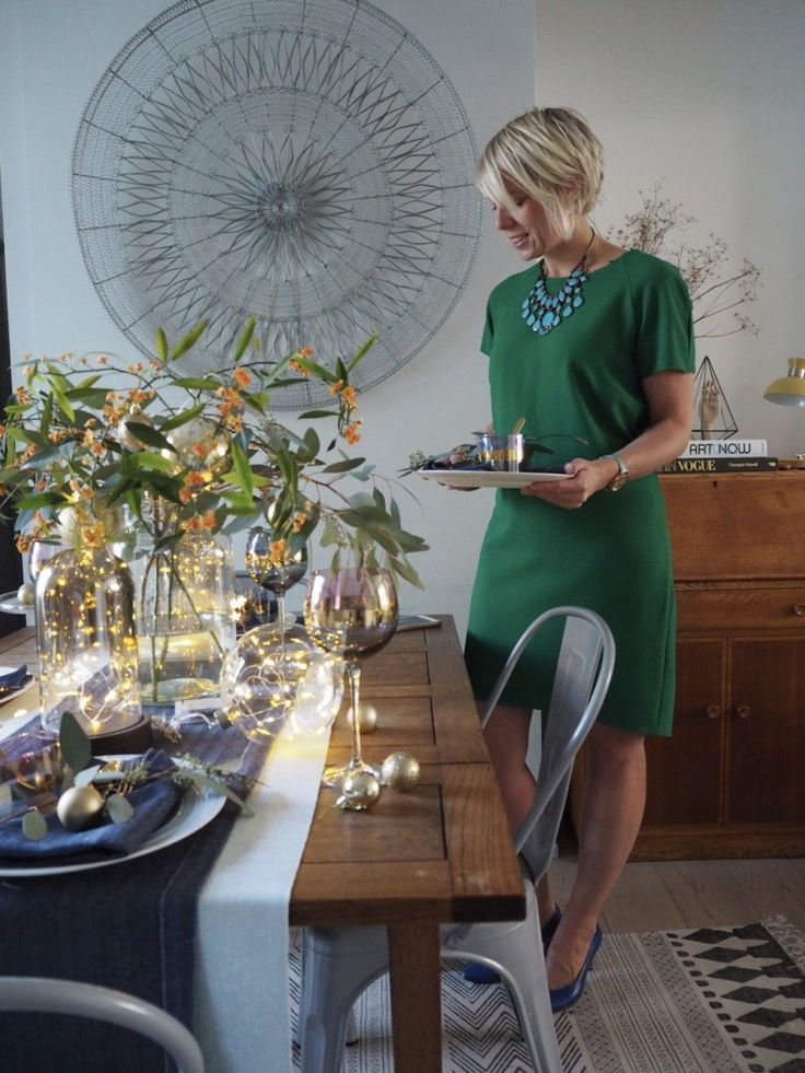 4 ways to style your Christmas dining table with lights 4 Styling tips on how to add bling-bling to your Christmas dining table with festive lighting by interior Stylist Maxine Brady from WeLoveHomeBlog #InteriorPlanningIdeas
