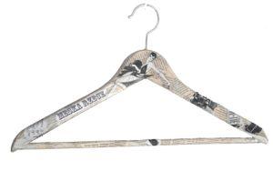 Wieszak / Prezent DIY / A hanger / DIY gift http://qukeria.pl/?p=214