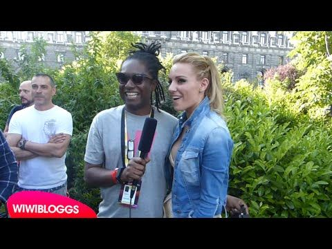 """Eurovision 2015: Edurne in flashmob for """"Amanecer""""   wiwibloggs"""