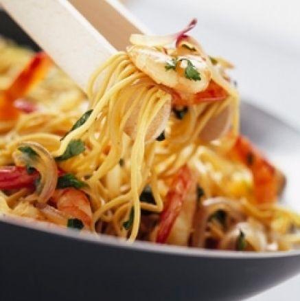 Je vous propose une recette simple au wok à base de nouilles, crevettes et…