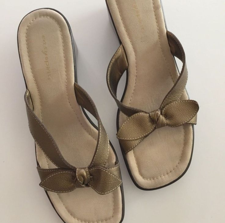 EASY SPIRIT WOMEN'S FERNANDINA GOLD WEDGE SLIDE ON SANDALS 8N - EUC  | eBay