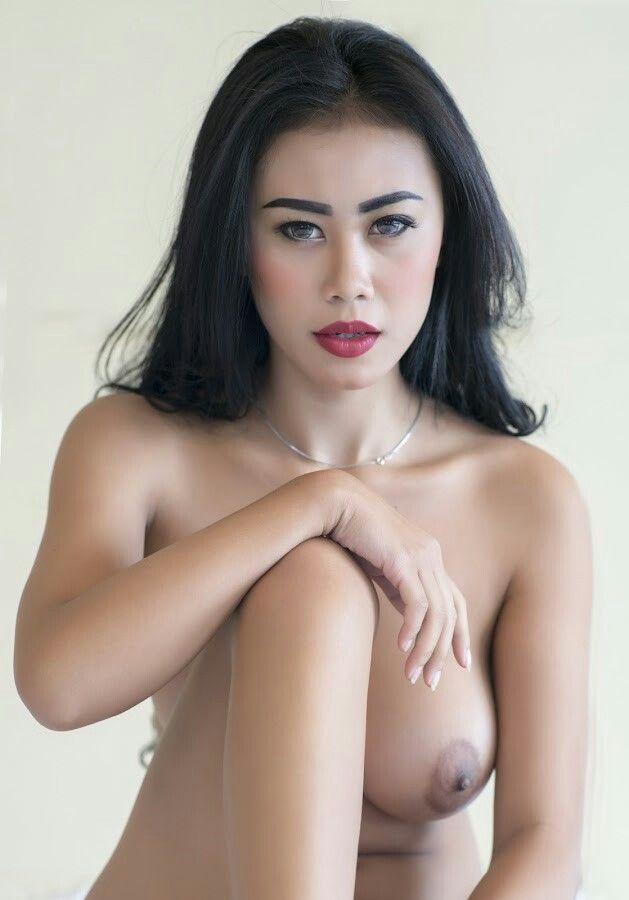 Naked pics angolina jolee